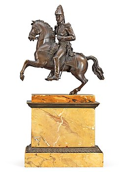 A French first half 19th century equestrian bronze and Sienna marble veneered statue. Length 22,5 cm, width 12,5 cm, height 46 cm.