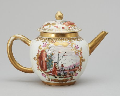 A white glazed teapot with lid, china, qianlong (1736-95).
