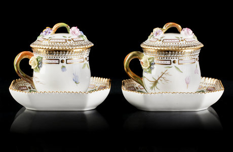 A pair of flora danica custard cups with covers and plate, royal copenhagen.