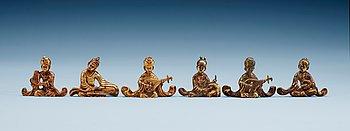 7. FIGURINER, sex stycken, förgylld brons. Tang stil.
