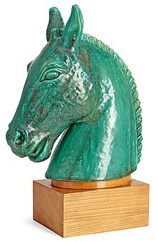 A Gunnar Nylund figure of a horse's head. Height 34 cm.