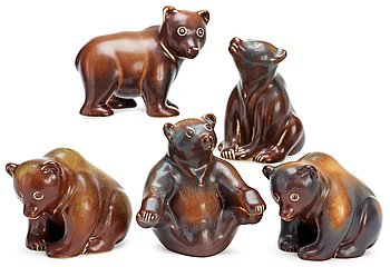 Five Gunnar Nylund stoneware figures of bears, Rörstrand. Height 10-14 cm.