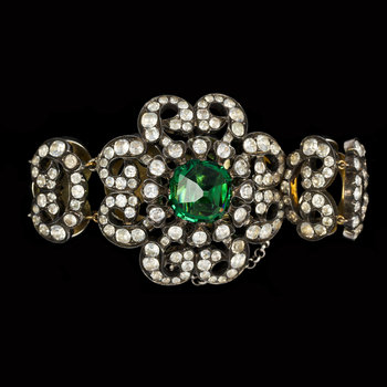 1014. BRACELET, silver with white and green glass stones. 1930's.
