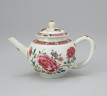 56. A famille rose teapot with cover, Qing dynasty, Qianlong (1736-95).