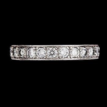 1009. A brilliant cut diamond eternity ring, tot. app. 2.50 cts.