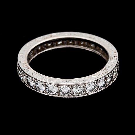 A brilliant cut diamond eternity ring, tot. app. 2.50 cts.
