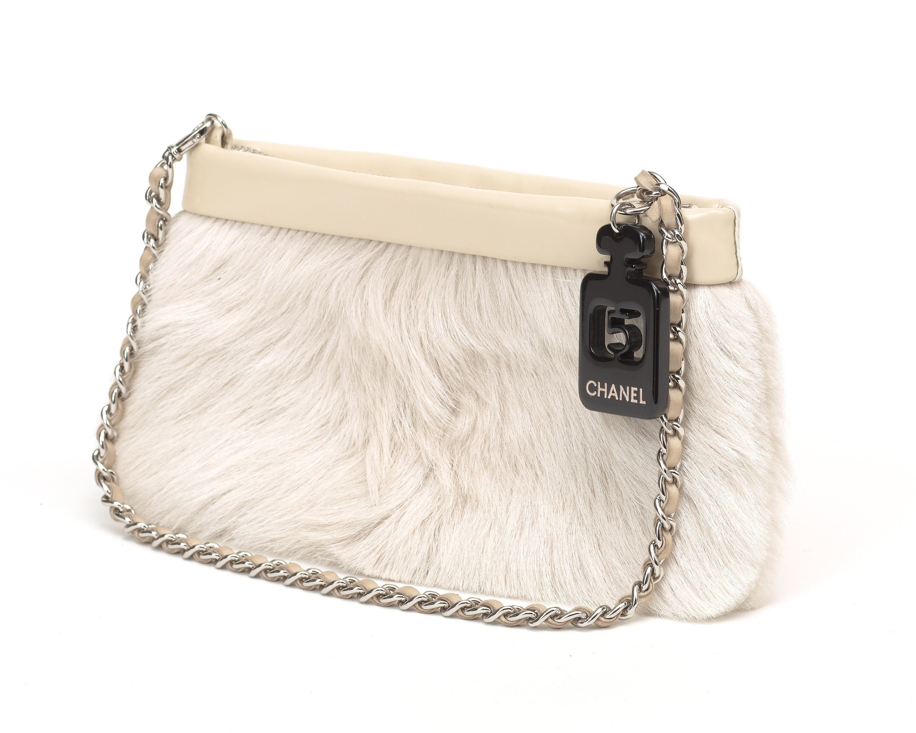 An rabbit fur evening bag by Chanel. - Bukowskis 00912d0e87b3f
