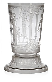 729. An Edvin Ollers engraved glass beaker with stand, Elme 1933.