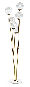 16. A brass and marble floor lamp, attributed to Stilnovo, Italy 1950's.