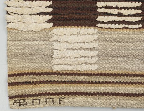"""Rug. """"schackrutig, brun"""". reliefrya (knotted pile in some areas). 239 x 134,5 cm."""