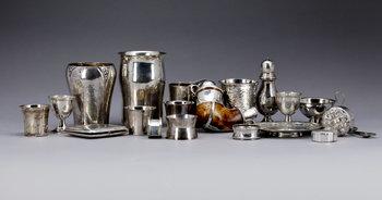 225808. PARTI SILVER, 20 delar, mest Sverige. 1800-1900-tal. Totalvikt ca 1200 gram.