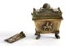 Souvenir/ask i form av napoleons sarkofag.
