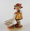 Figurin, porslin, m i hummel, goebel, tyskland, 1935-49.