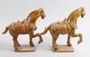 Figuriner, 2 st snarlika, porslin, 1900-tal, kina.