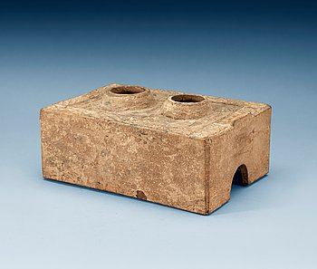 1613. A potted model of a stove, Han dynasty (206 BC - 220 AD).