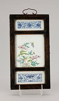 238319. VÄGGPLAKETT, porslin, Kina, 1900-tal.