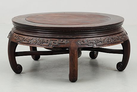 A round hardwood table, qing dynasty.