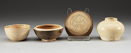 A bowl, a box with cover, and a small jar, song/yuan dynasty.