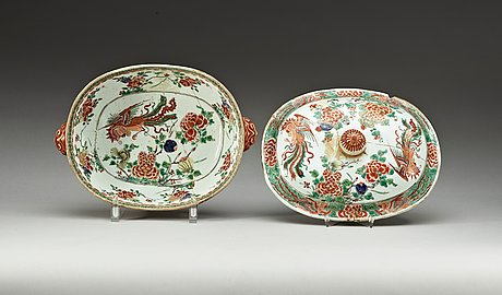 A pair of famille verte tureens with covers, qing dynasty, kangxi (1662-1722).
