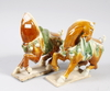 Figuriner, 2 st snarlika, porslin, kina, 1900-tal.