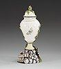 Vas med lock, fajans. marieberg, daterad 30/6 (17)72.