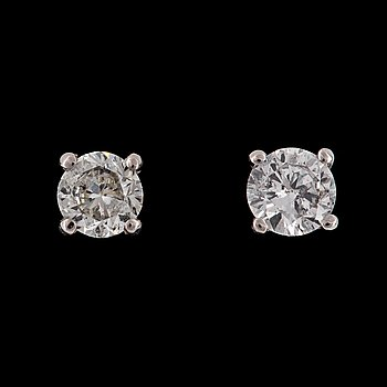 16. EARSTUDS, brilliant cut diamonds, tot. 1.50 cts (app. 0.75 cts each).