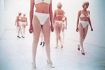 "313. Vanessa Beecroft, ""VB 26 Lia Rumma, Naples"", 1997."