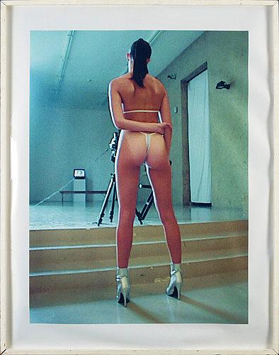 """Vanessa beecroft, """"vb 29 le nouveau musee, lyon"""", 1997."""
