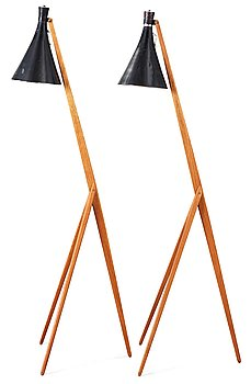 14. A pair of Uno and Östen Kristiansson teak tripod floor lamps with black shades. Luxus, Sweden 1950's.