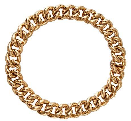 A golden necklace.