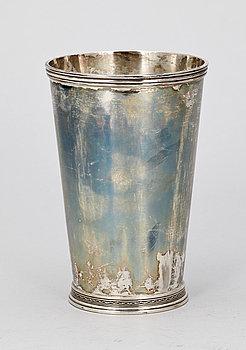 258089. BÄGARE, silver, Carlman Silversmide AB, Stockholm, 1959. Vikt ca 557 g.
