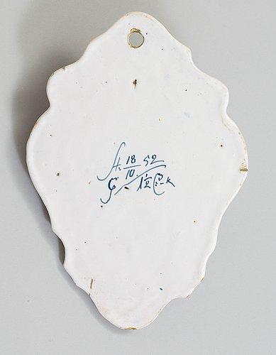 A swedish faience hanging soap holder, rörstrand 1752.