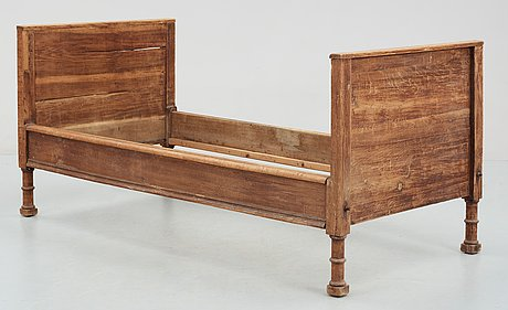 A swedish baroque 18th century bed.