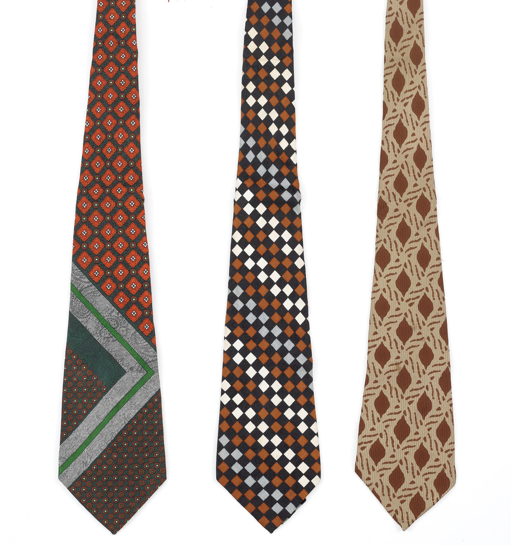 4312284976be A set of three 1970s silk ties by Yves Saint Laurent. - Bukowskis