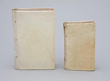 264883. BÖCKER, 2 st, bla Monita politico moralia et icon ingeniorum av Andreae Maximiliani, Frankfurt 1694.