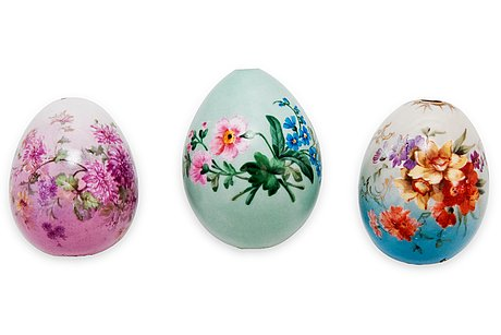 A set of three easter eggs.