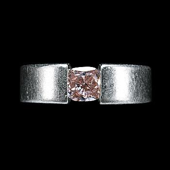"86. RING, NIESSING, ""light pink"" Asprey-slipad diamant ca 0,80 ct."