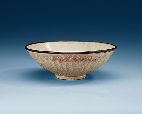 A guan-type glazed bowl, song dynasty (960-1279).