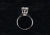 A ring,  a brilliant cut diamond 2,00 ct. river/vvs1 certificates; kultakeskus and monickendam diamond and sjl.