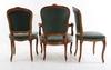 TvÅ stolar samt karmstol, rokokostil.