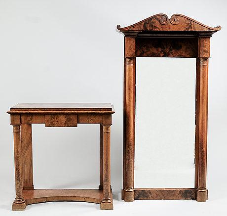 Spegel med bord, karl johan, 1800-talets första hälft.