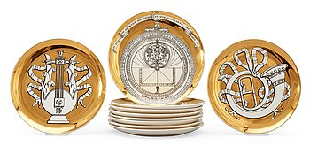 11. A set of 10 Piero Fornasetti porcelain plates, Milano, Italy.