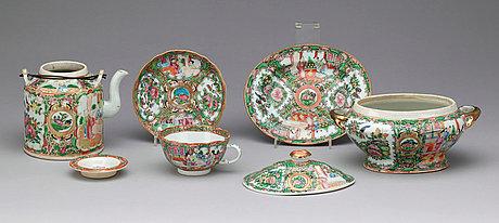 Servisdelar, tre delar, porslin. kina, kanton, omkring 1900.