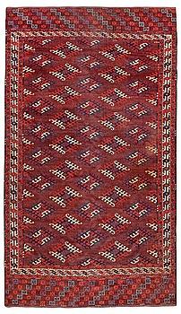 322. SEMI-ANTIQUE YOMOUD. 291,5 x 174,5 cm (plus about 3 cm of flat weave at each end).