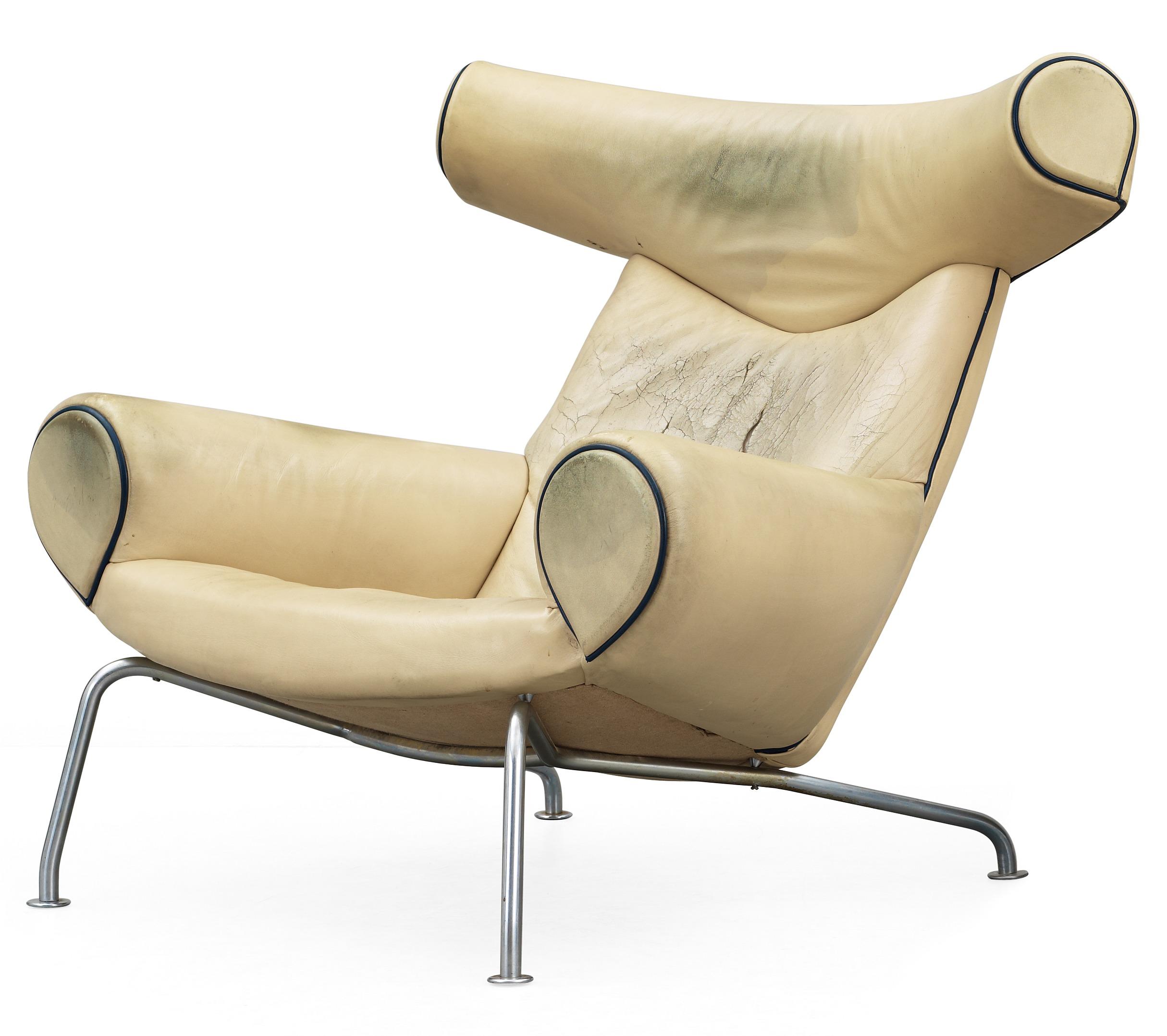 """HANS J WEGNER, fåtölj,""""Ox Chair"""", sannolikt producerad av AP stolen, Danmark 1960 tal Bukowskis"""