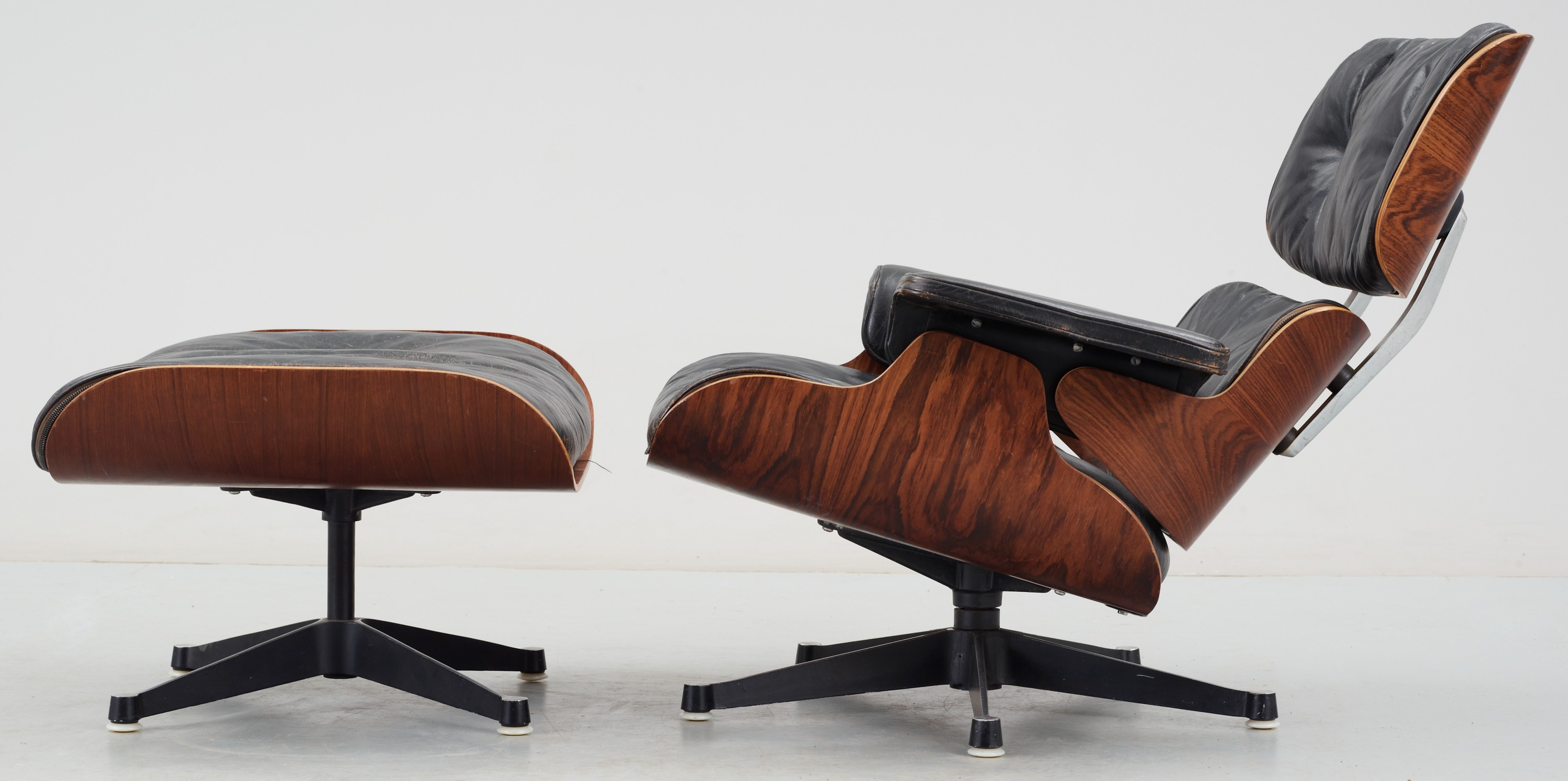 A Charles Ray Eames Lounge Chair And Ottoman Herman Miller