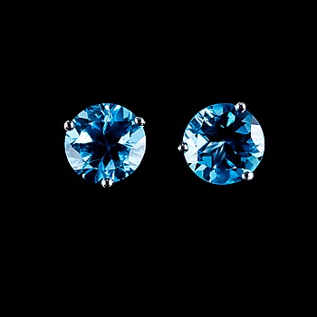 2. A PAIR OF EAR STUDS, Brazilian topaz 3.45 ct.