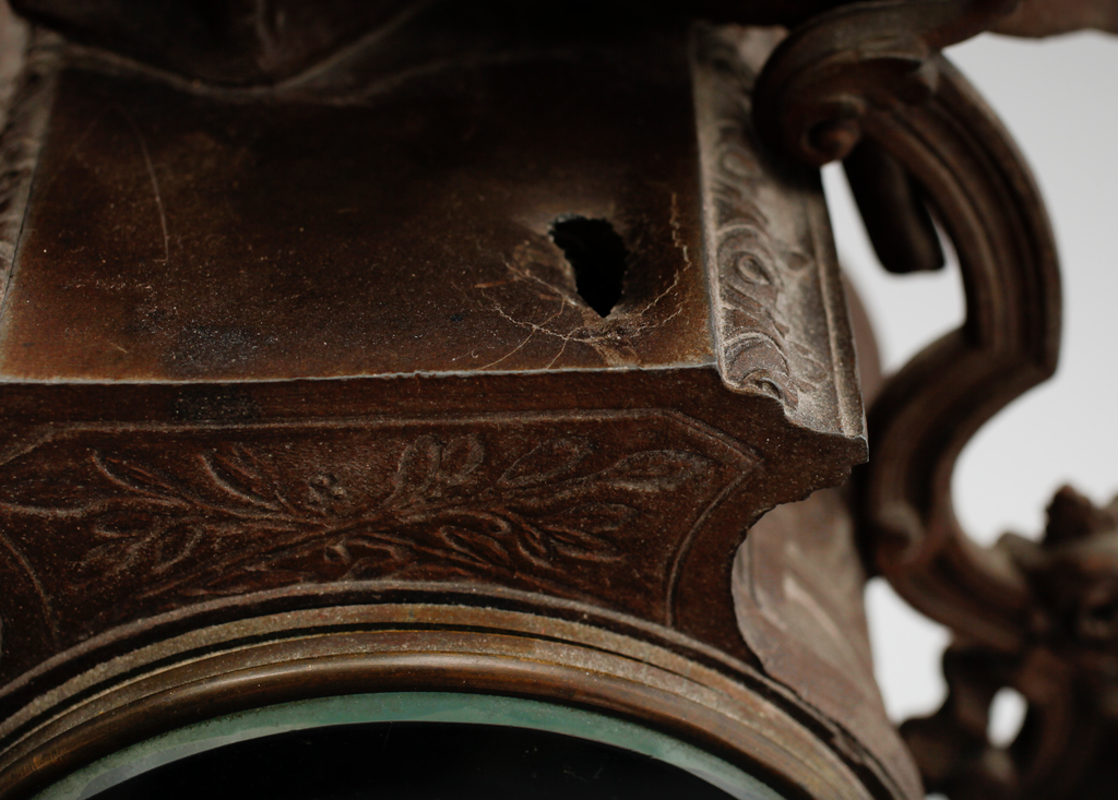 BORDSUR, bronserad metall, sekelskiftet 1900.