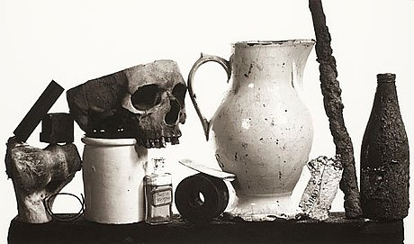 "Irving penn, ""composition with pitcher and eau de cologne"", 7 december 1979."