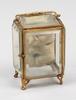 Urhus, glas, metall, sent 1800-tal.